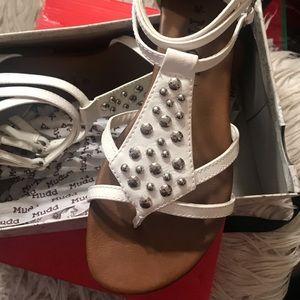 White mudd Sandals